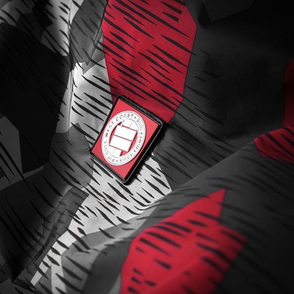 Pit Bull Kurtka przejściowa ATHLETIC VII Camo Szaro-Czerwona